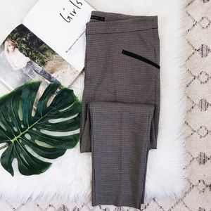 ZARA • Plaid Checkered Skinny Cropped Trousers